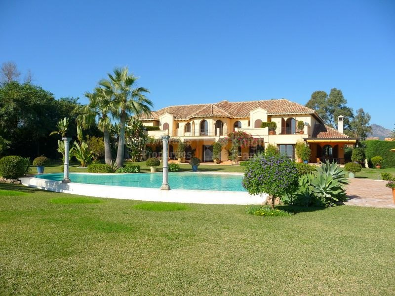 Paraiso Barronal, Magnificent Beachfront Villa
