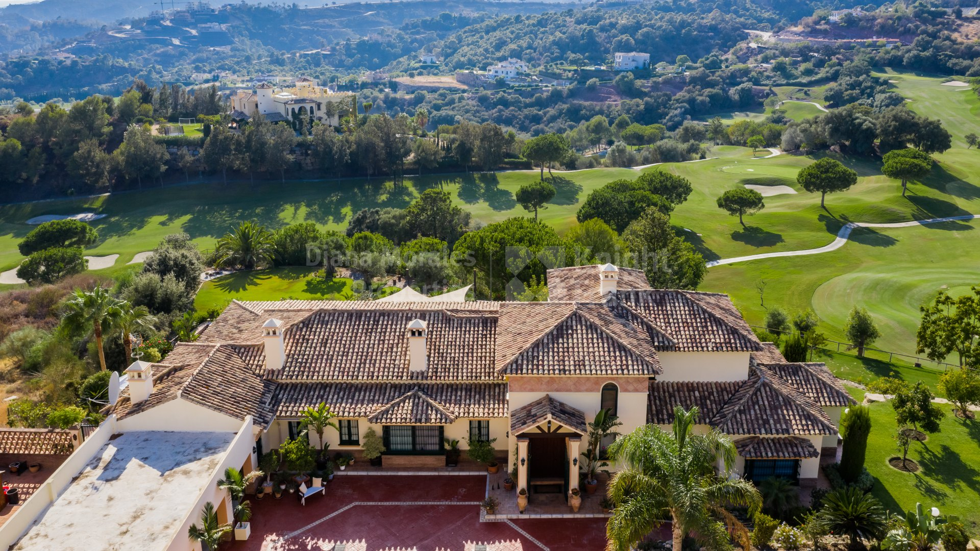 Marbella Club Golf Resort, Vistas al golf en un ambiente de montaña
