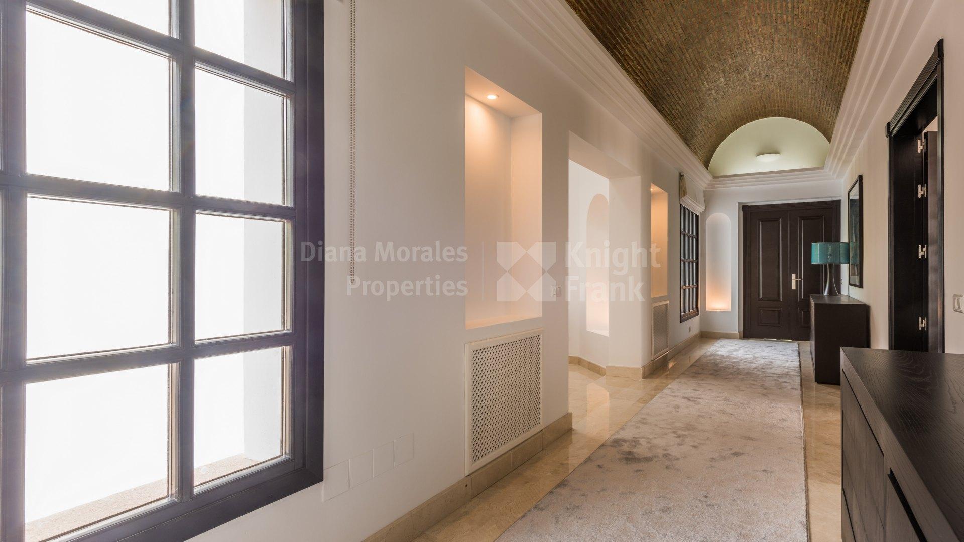 Villa de siete dormitorios en alquiler en sierra blanca for Alquiler de dormitorios