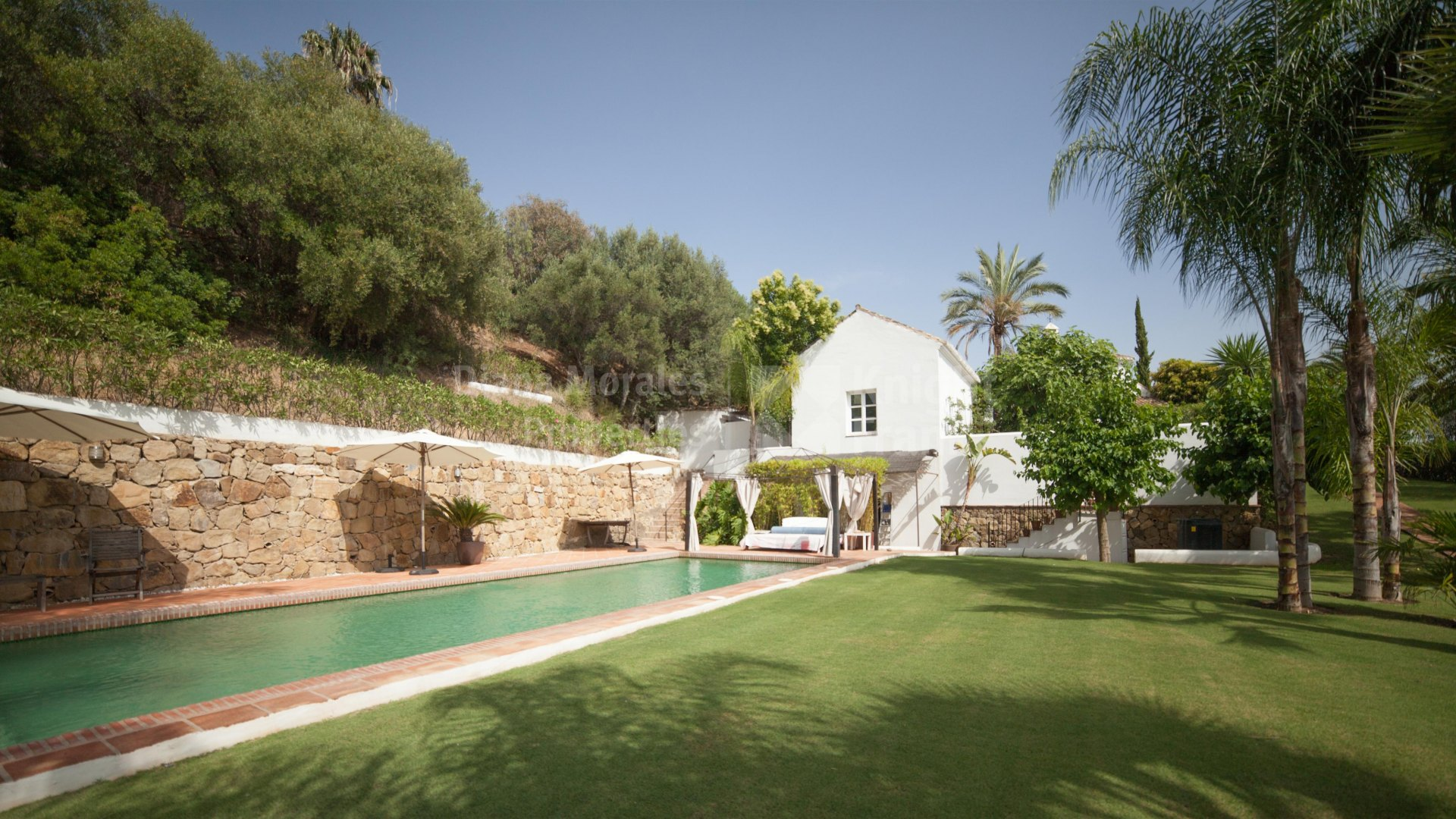 Puerto del Almendro, Fusion of Tradition and Comfort