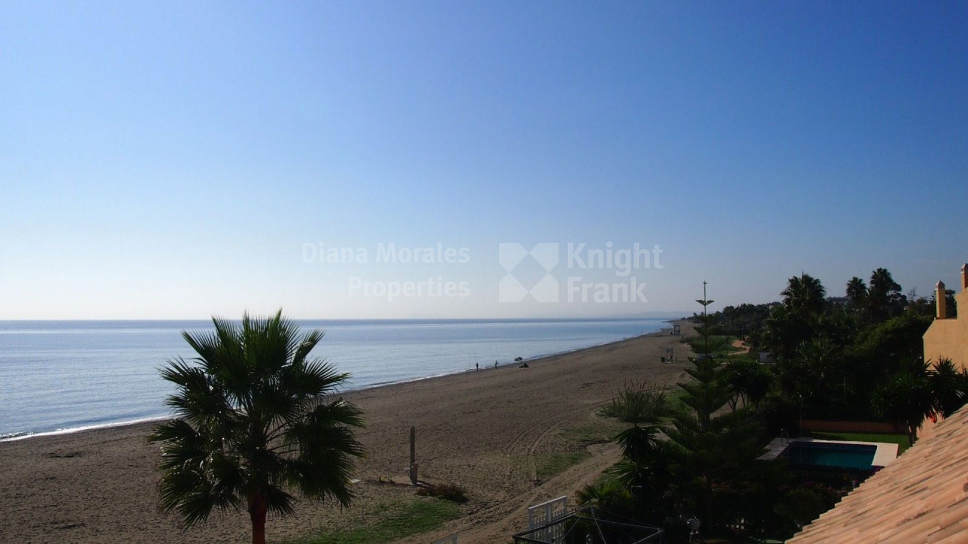 El Saladillo, Seafront Townhouse Within Gated Community
