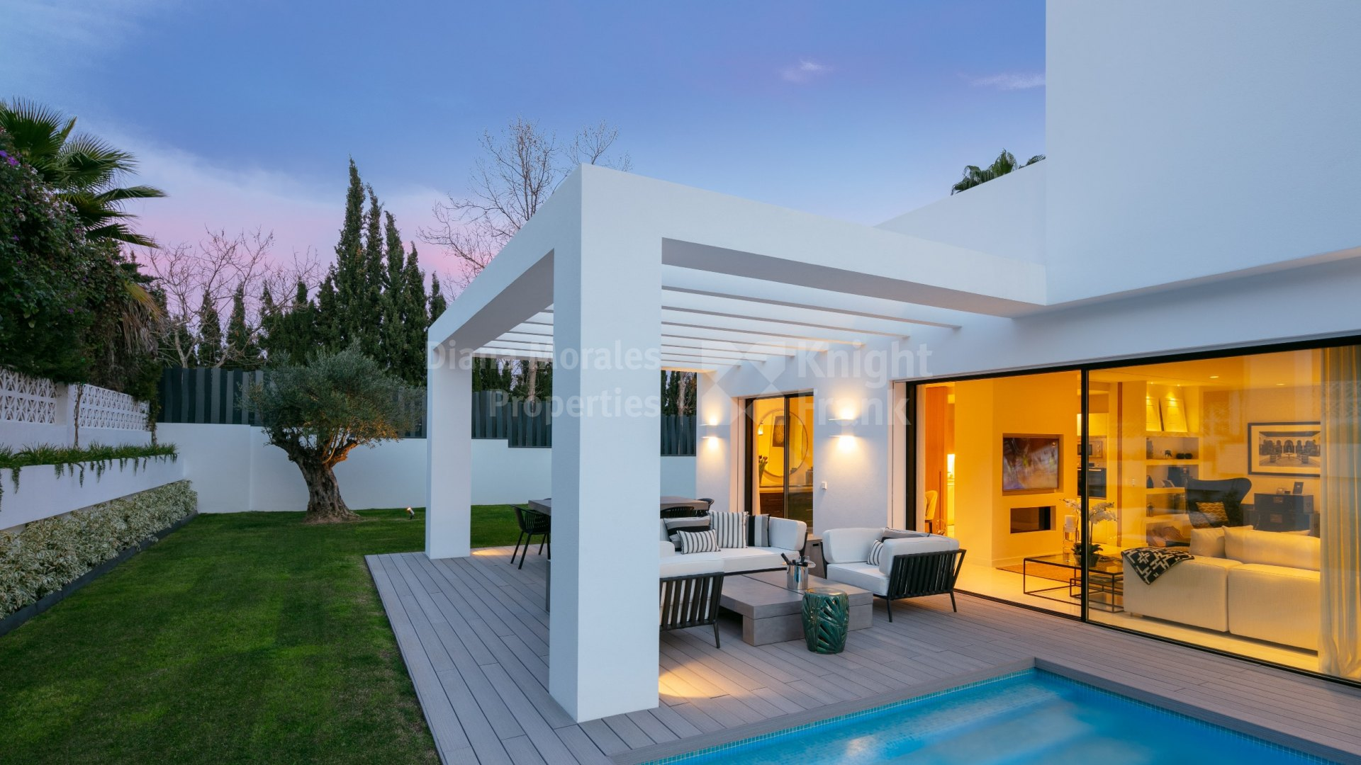 Guadalmina Alta, Charming modern detached house