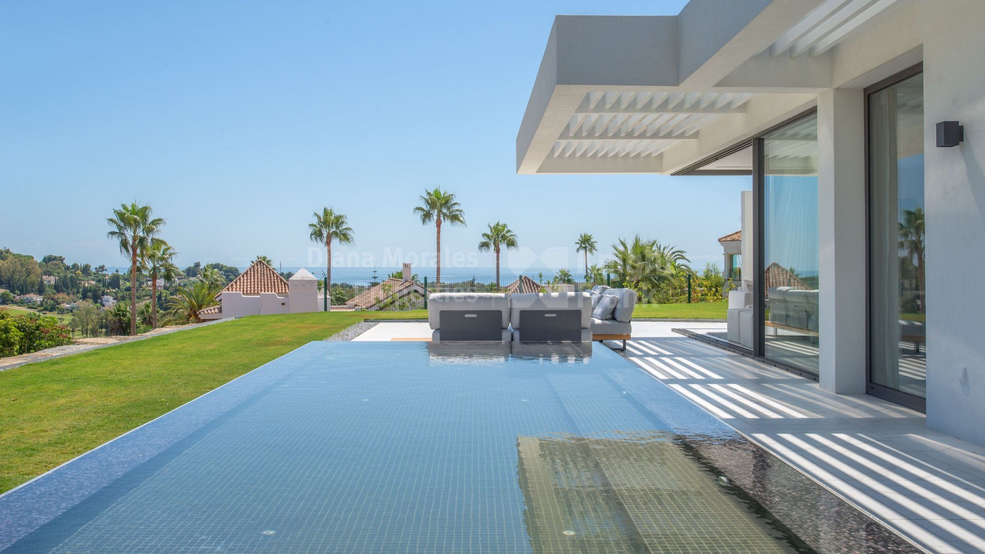 Mirador del Paraiso, Duplex penthouse with garden and private pool with panoramic views