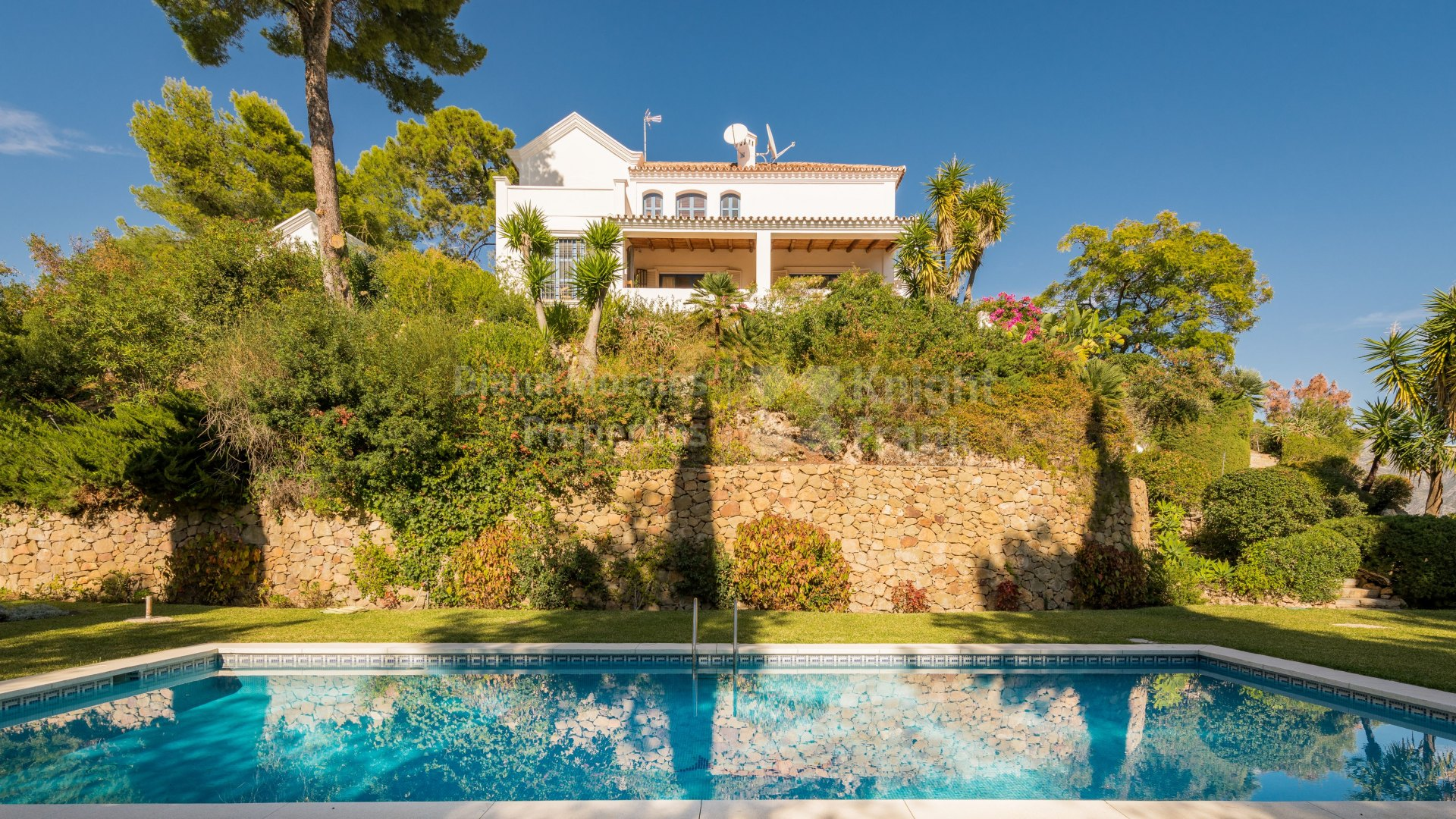 El Madroñal, Charming villa with panoramic views