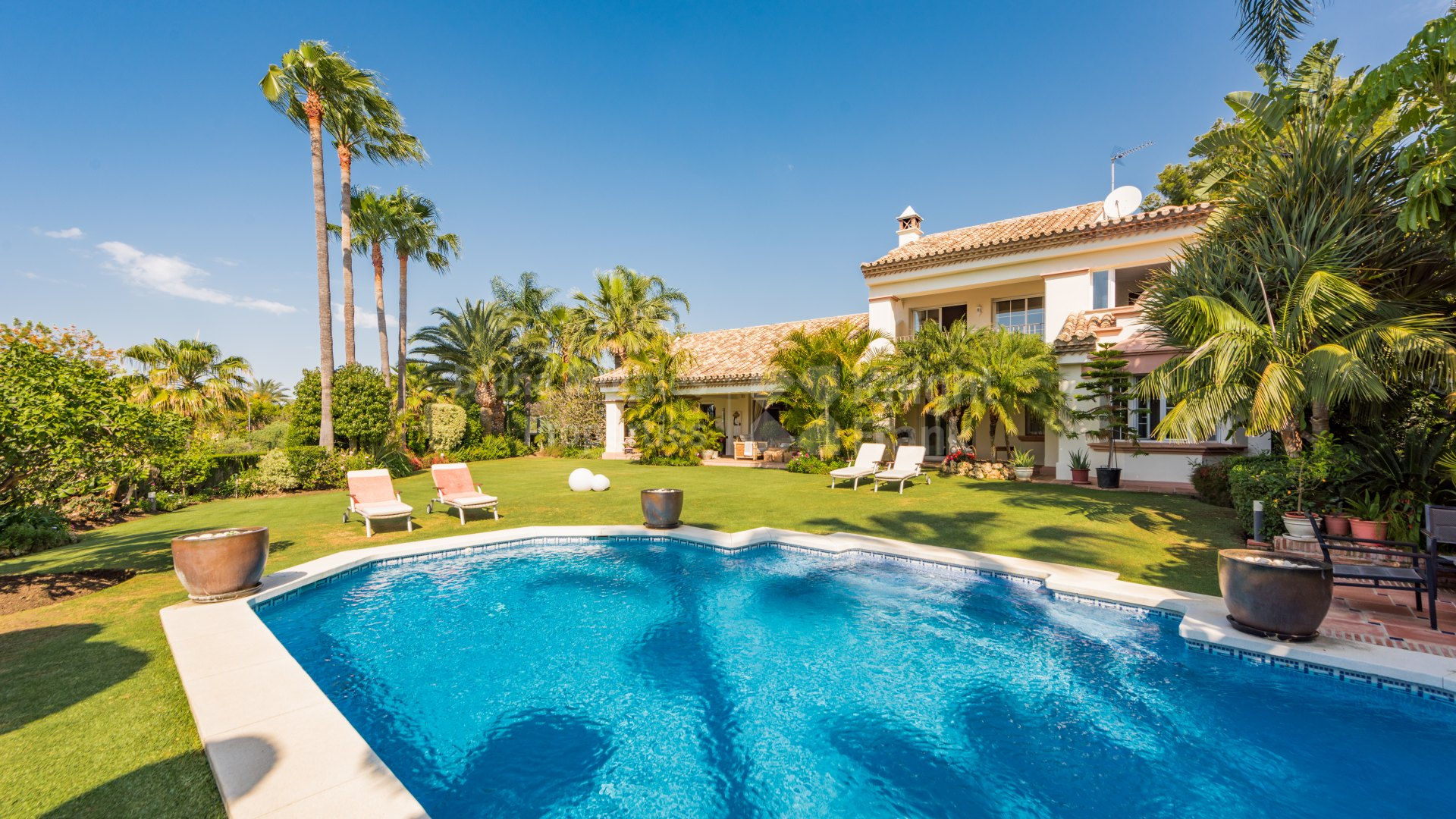 Altos Reales, Great Family Home