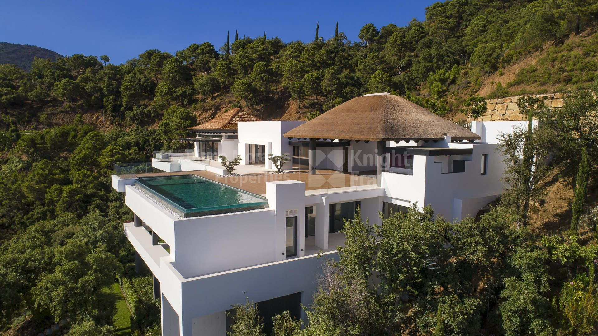 New modern villa with stunning views in La Zagaleta