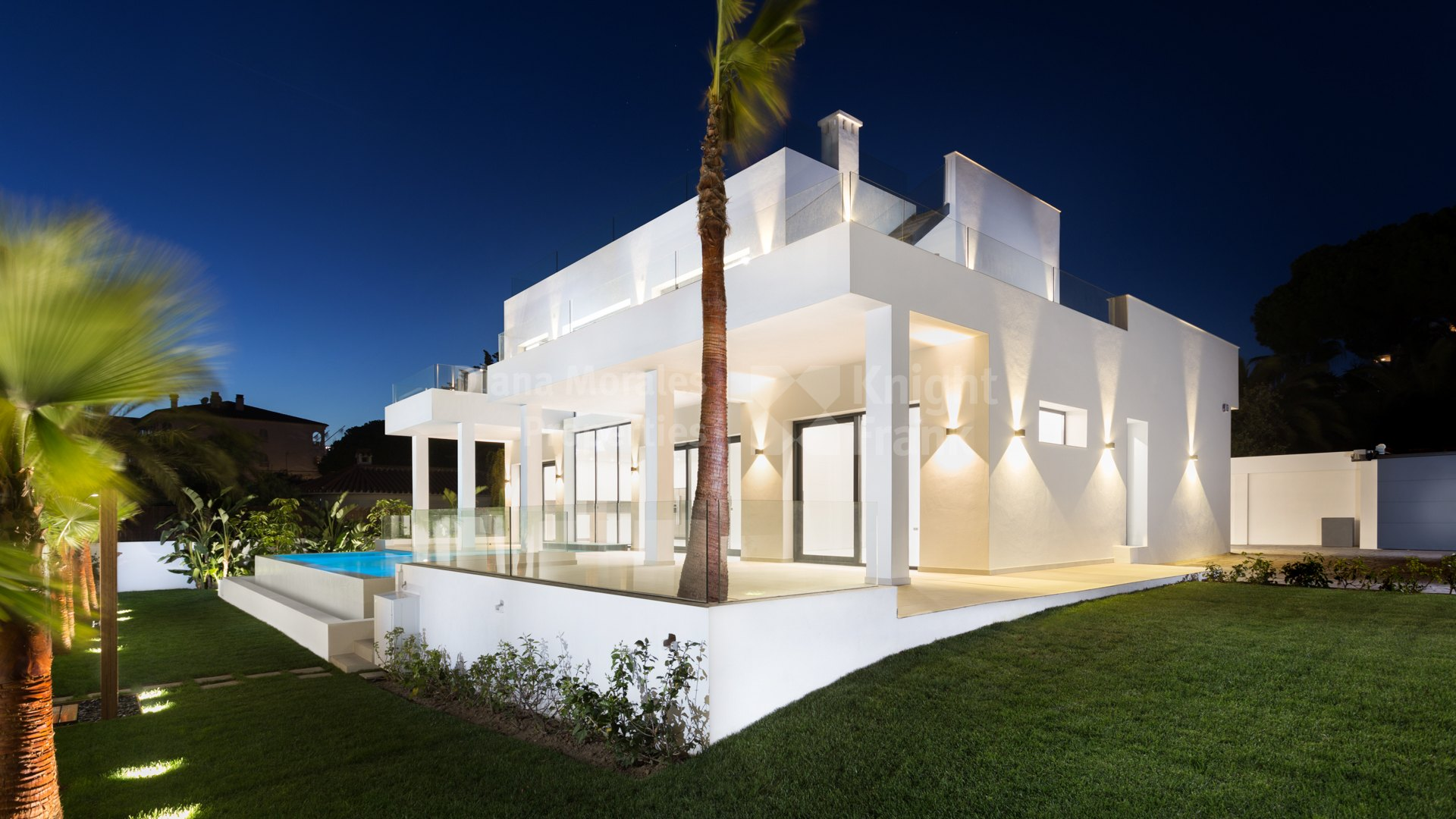 New villa in Marbesa close to the beach