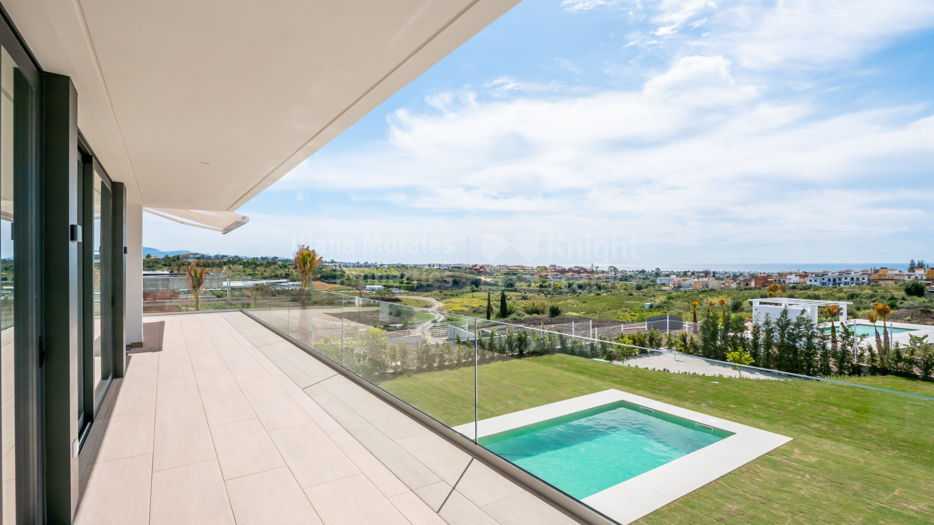 Cancelada, Contemporary villa with sea views