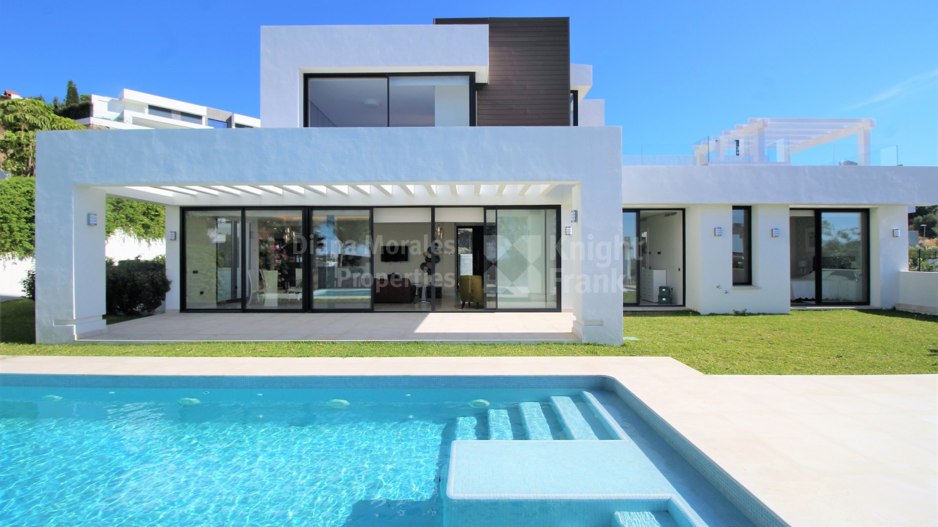 Capanes sur newly built contemporary villa