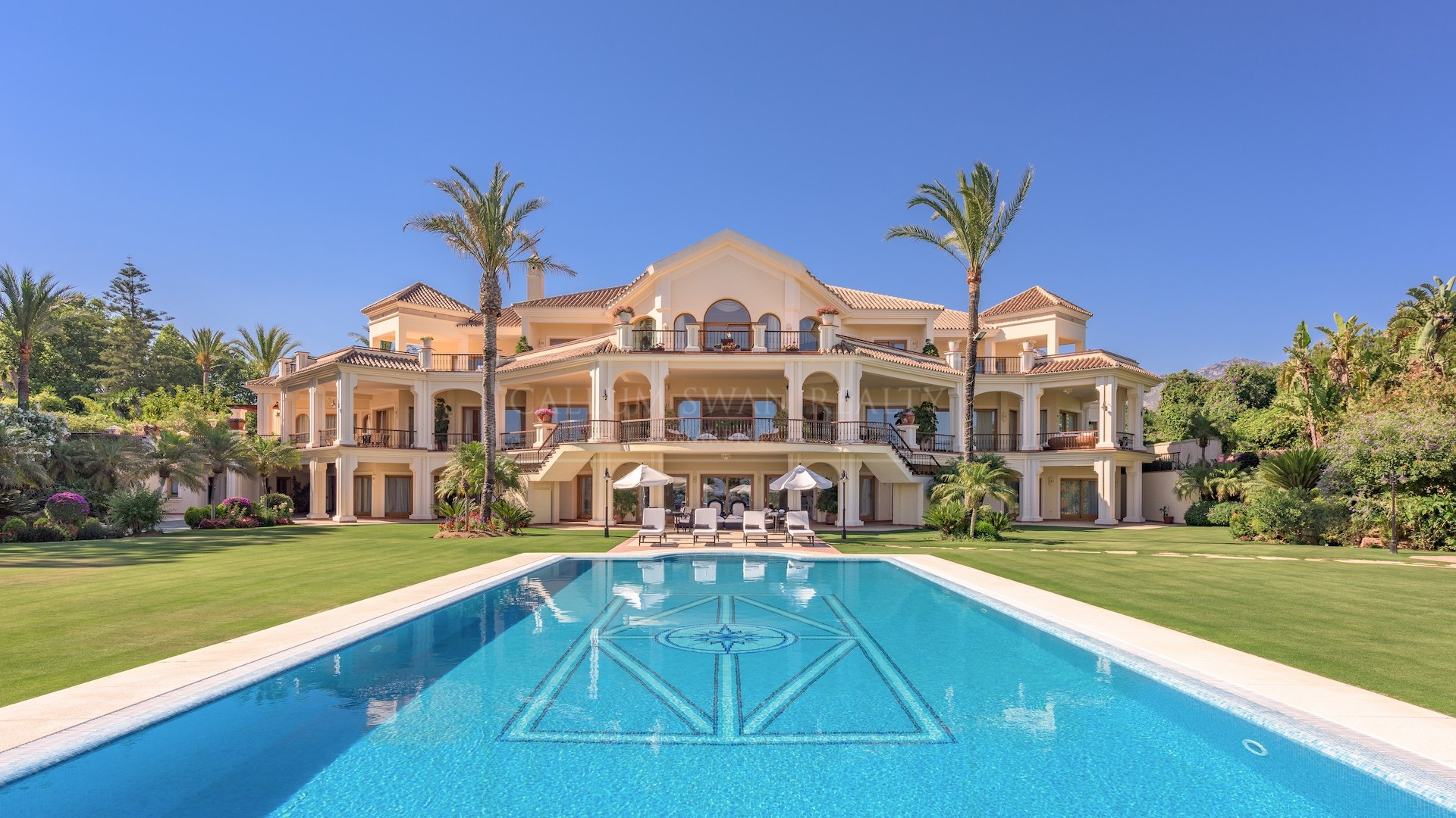 Impressive frontline beach property within the Marbella Club