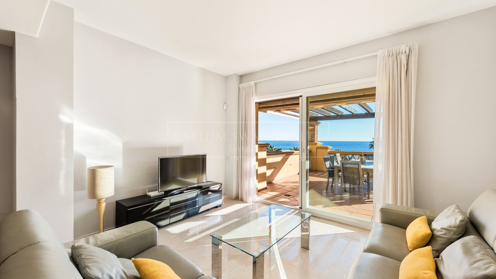 Apartment for sale and rent in Rio Real, Marbella East