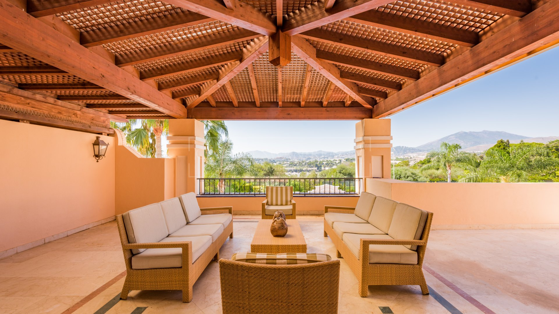 Duplex Penthouse for sale and rent in Lomas de Sierra Blanca, Marbella Golden Mile