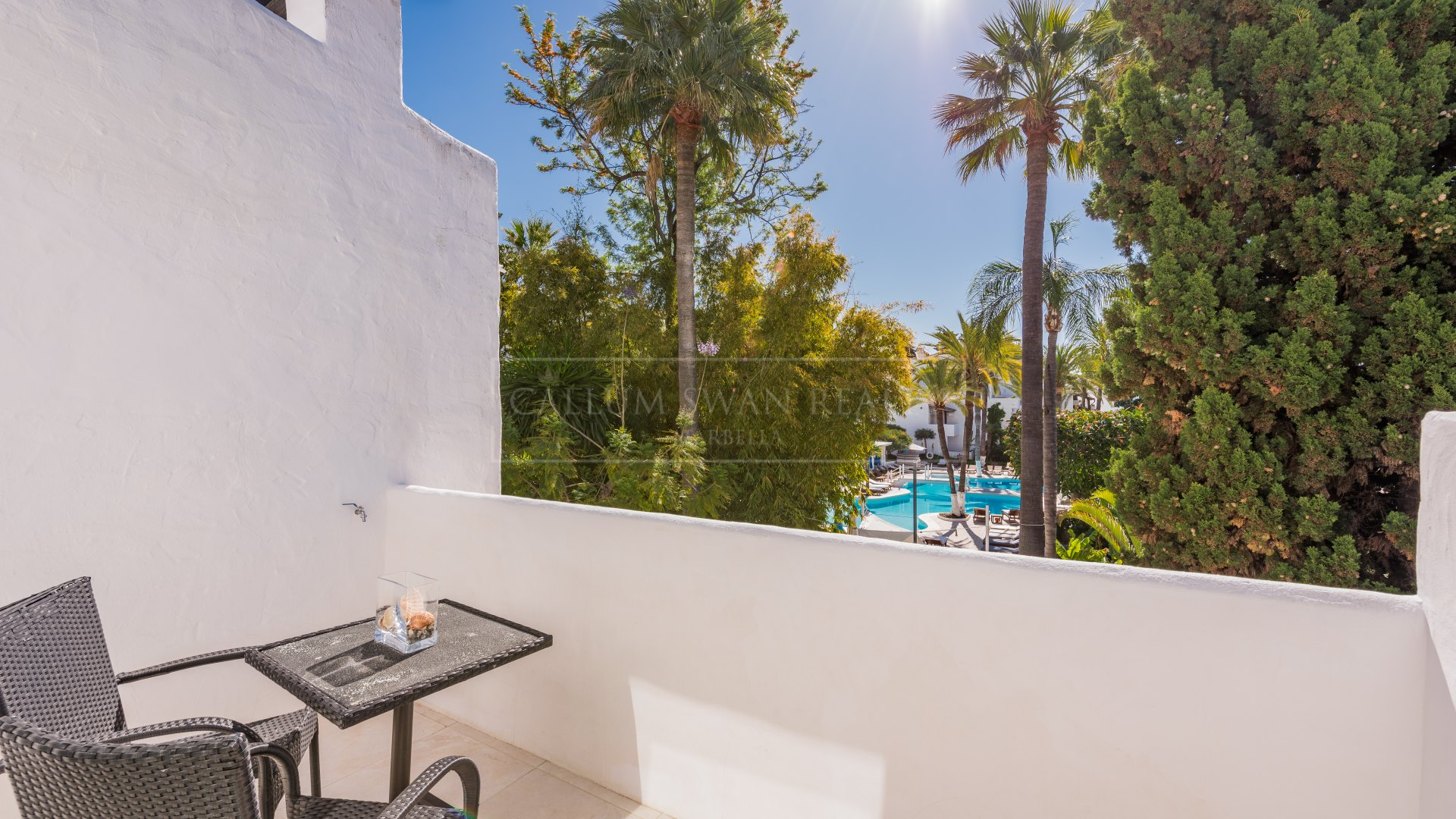 Triplex for sale in Puente Romano, Marbella Golden Mile