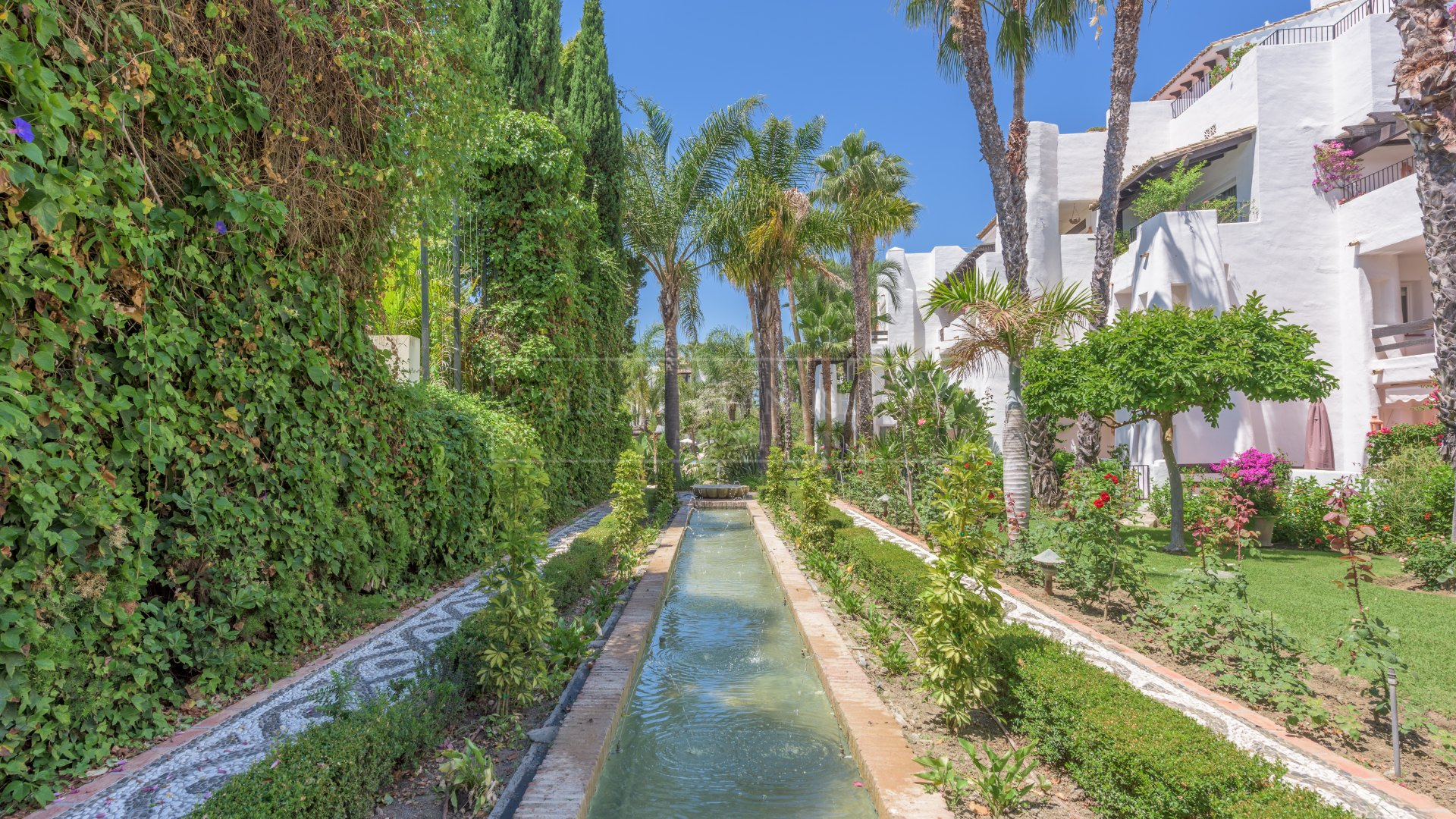 Duplex Penthouse for rent in Marina de Puente Romano, Marbella Golden Mile
