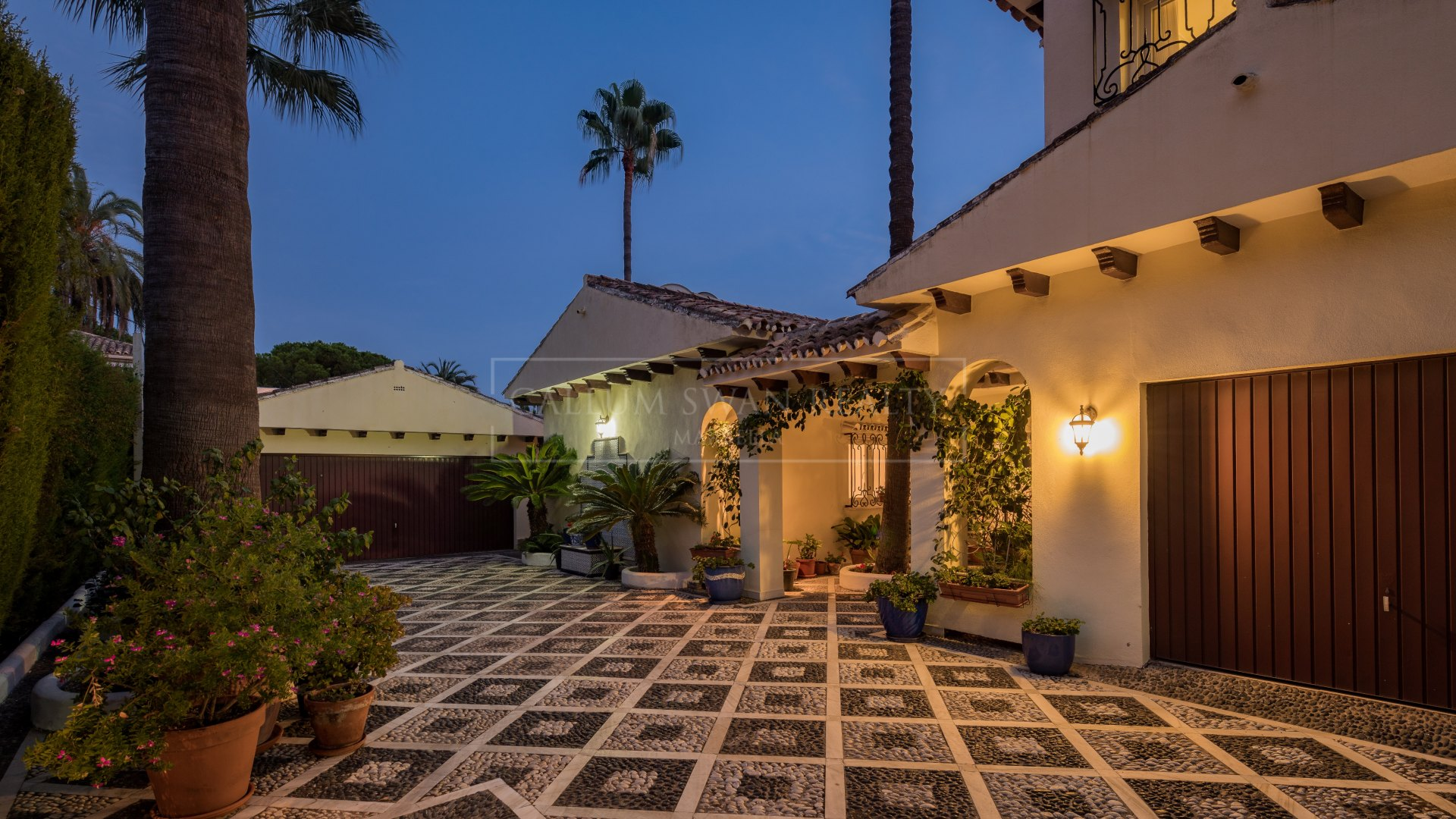 Villa for sale in Nagüeles, Marbella Golden Mile