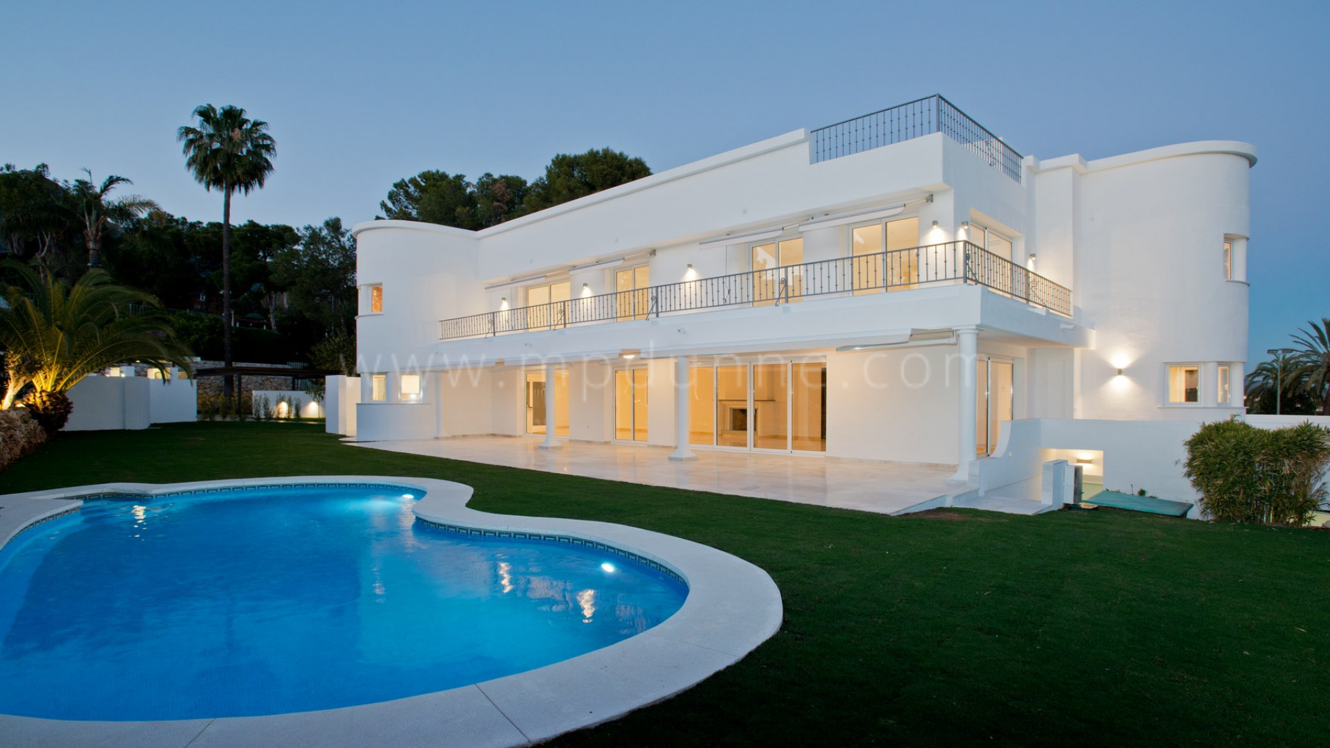 Luxury Family Villa in Altos Reales Marbella