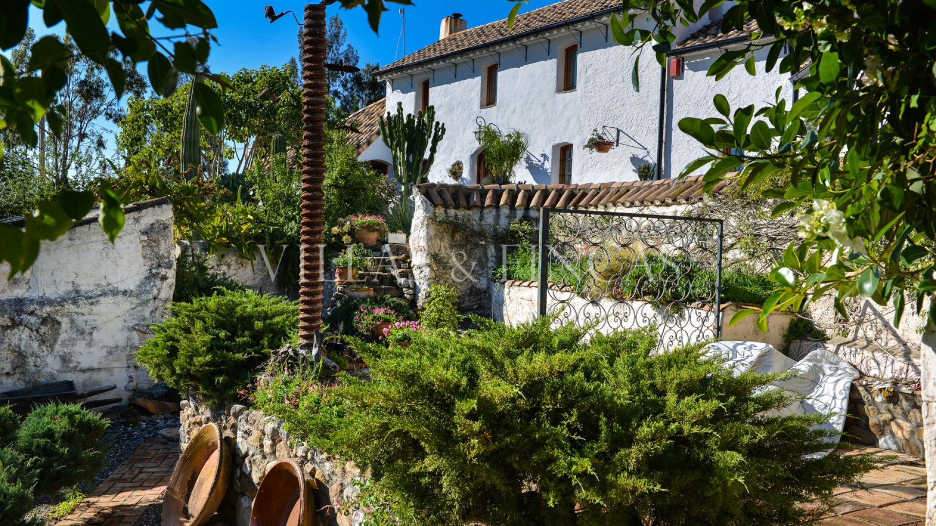 Lovely farmhouse with agricultural land, Casarabonela
