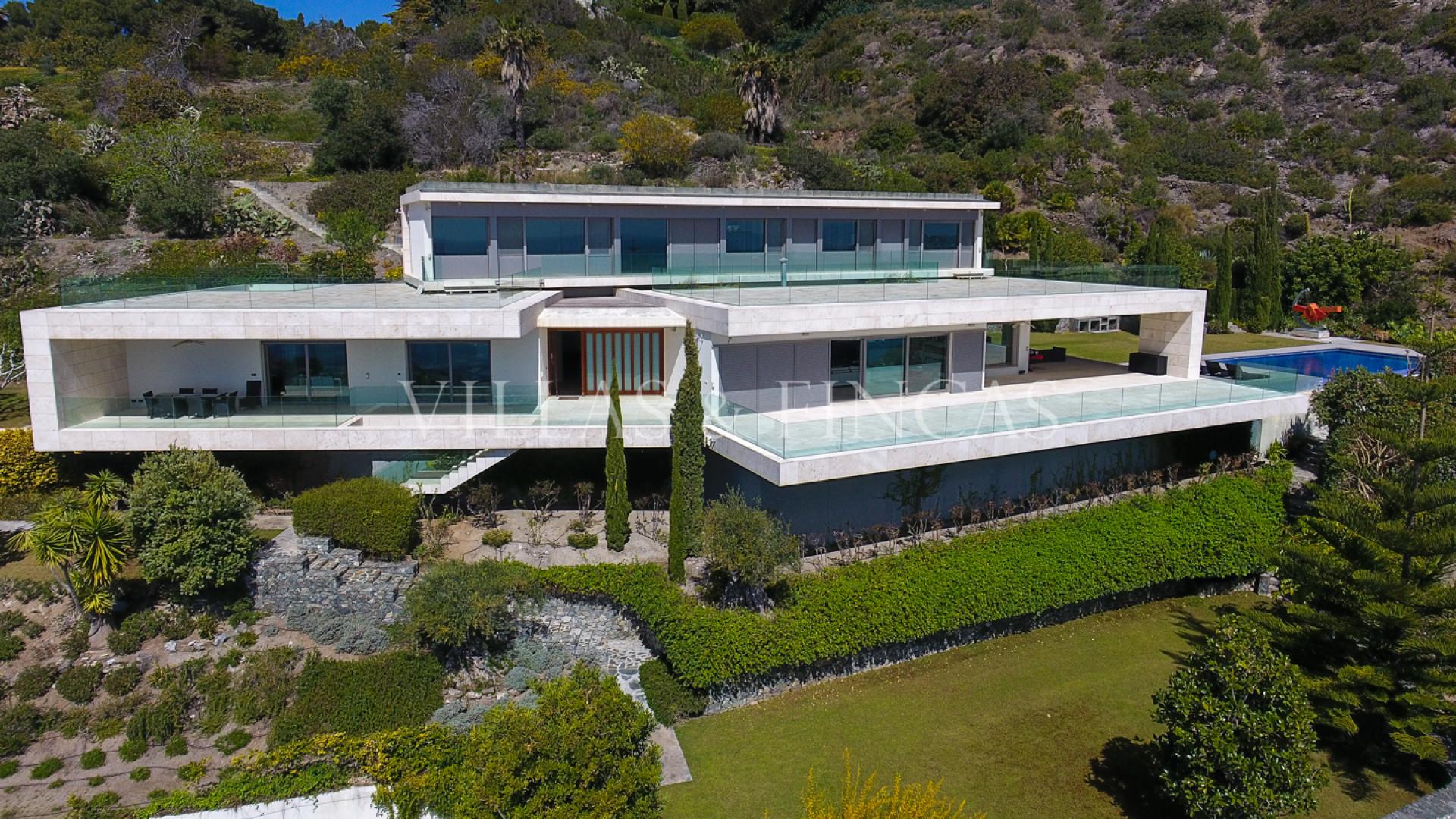Exclusive Contemporary Villa with stunning sea views, La Herradura