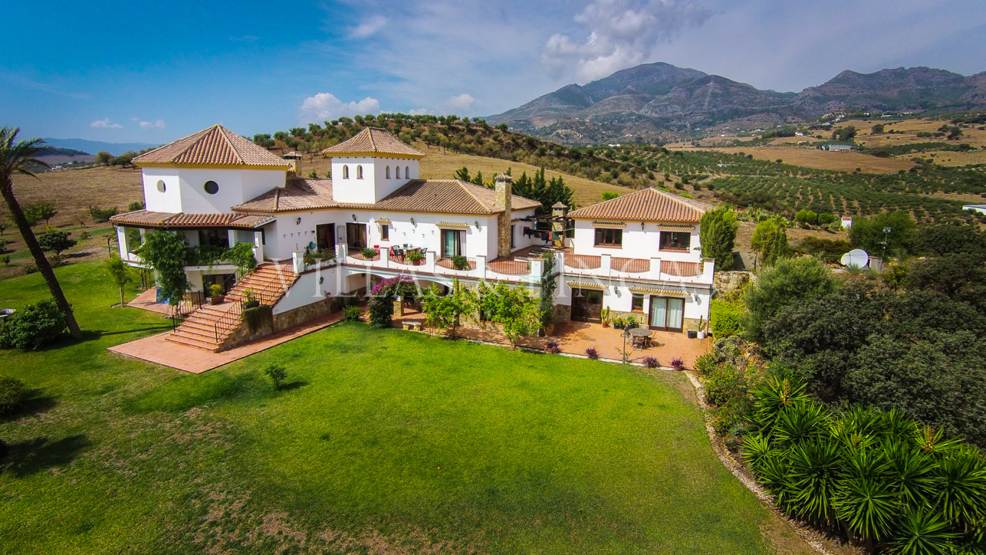 Finest luxury country properties in andalusia villas for Villas xaltipa fotos