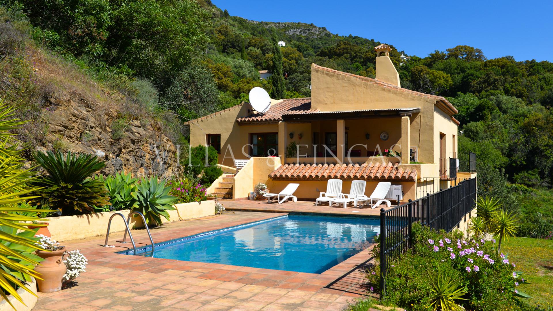 Villa im Verkauf in Casares