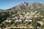 Modern villa on the slopes of Sierra Blanca