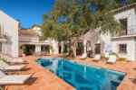 Spacious country style home in El Madroñal