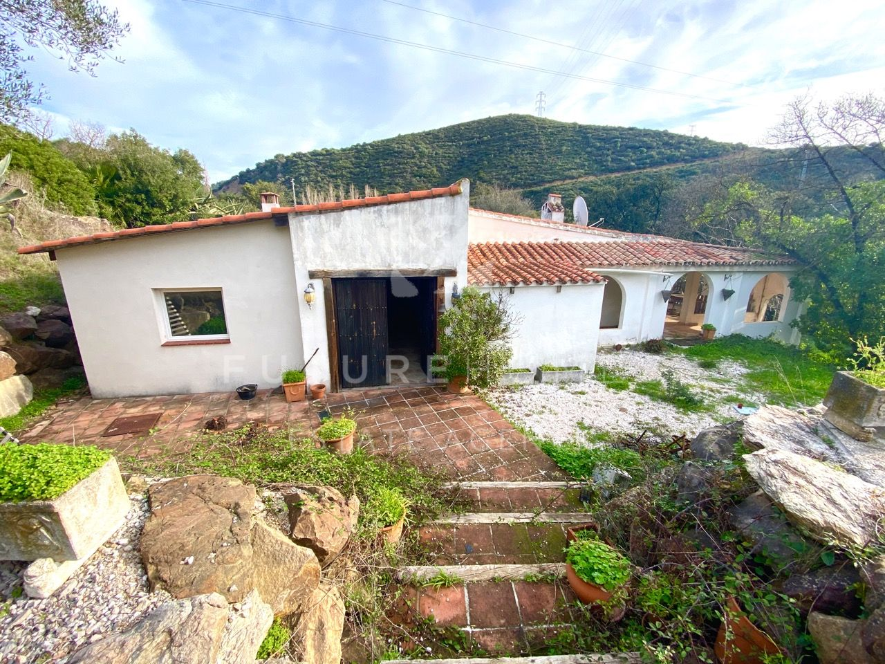 Interesting renovation project of country property in Casares.