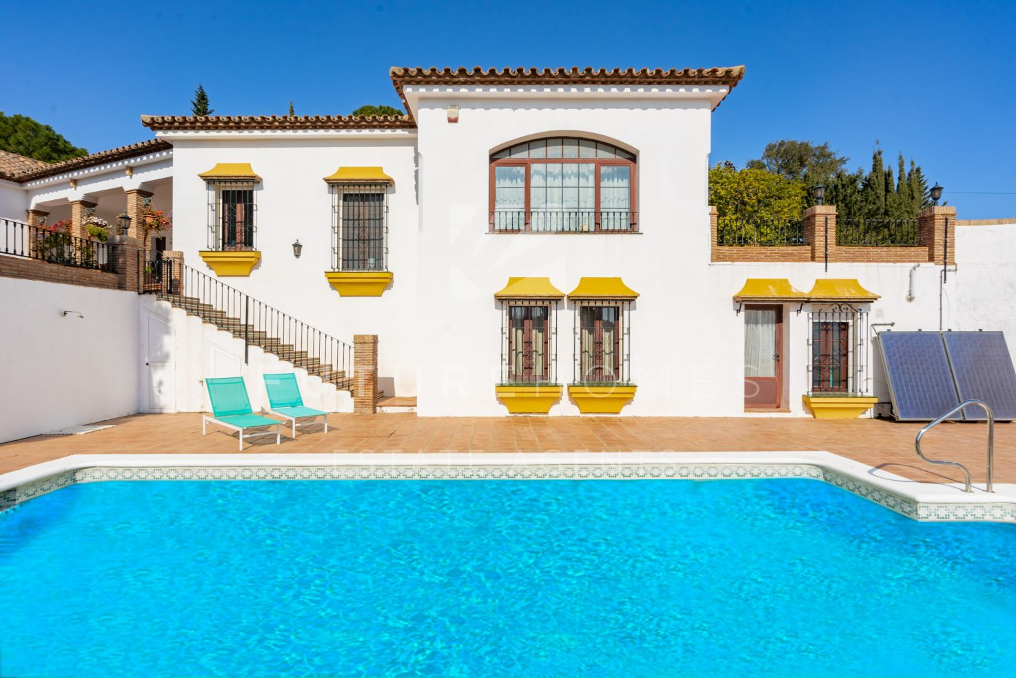 Spanish style cortijo for sale in Los Reales Estepona