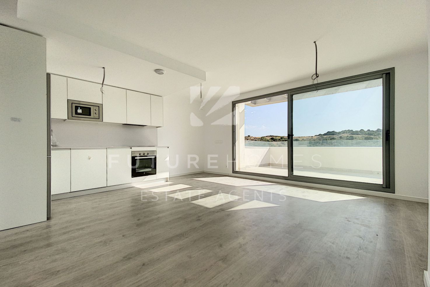 Brand new duplex penthouse just 5 km from Estepona Port!