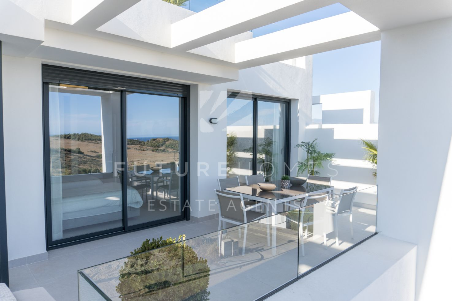 BRAND NEW exclusive apartments with golf and sea views in Estepona Golf!