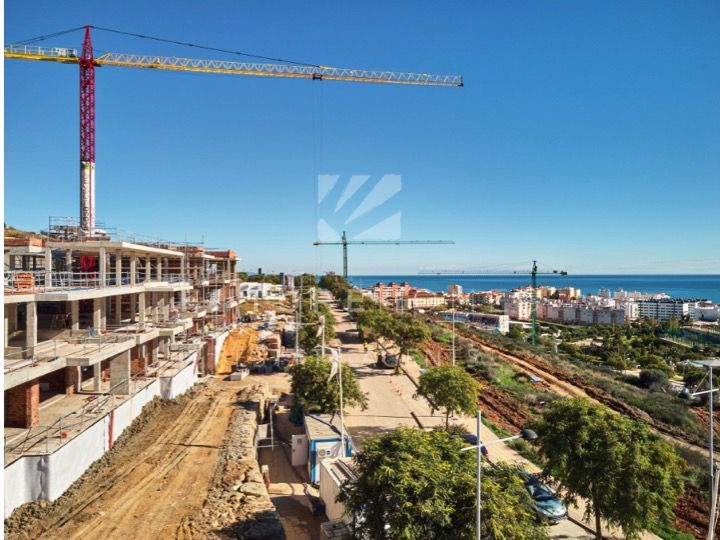 New Project of Modern Apartments Near Estepona Port