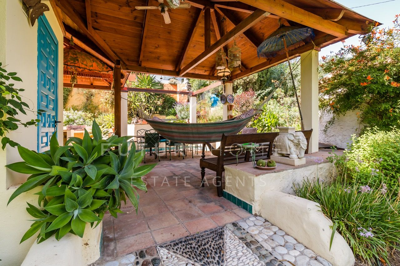 Special rustic style detached villa in El Padron Estepona with beautiful gardens only 1km from the beach