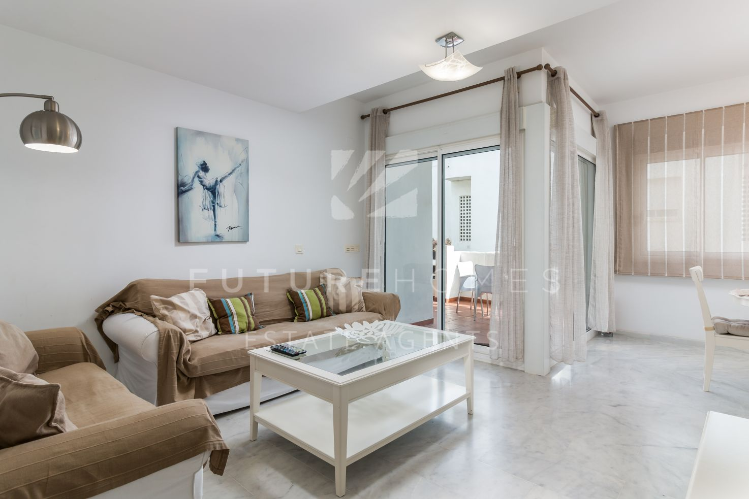 Modern 3 bedroom apartment only 10 minutes from Estepona port.