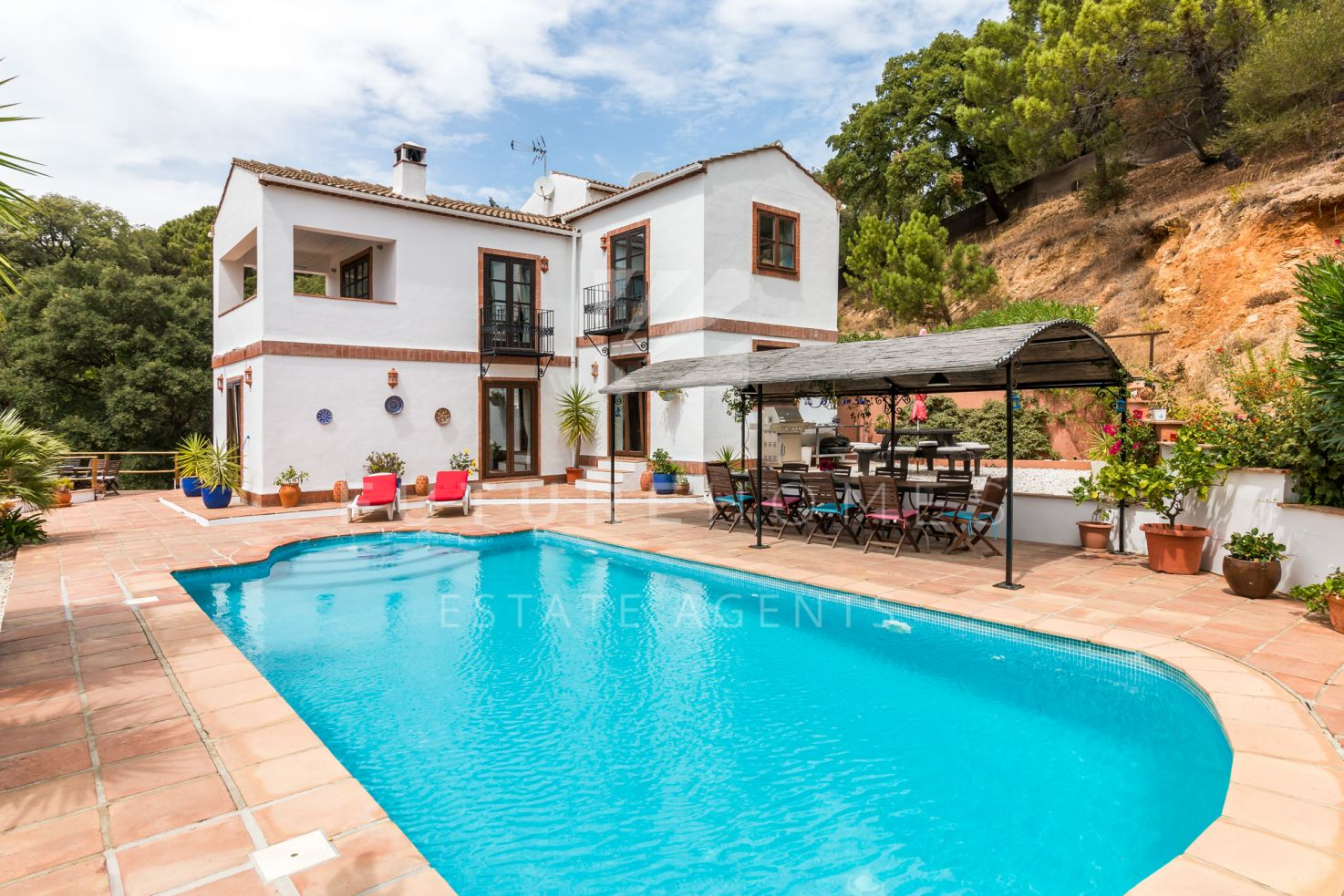 Immaculate private villa with guest house and stunning views in Casares.