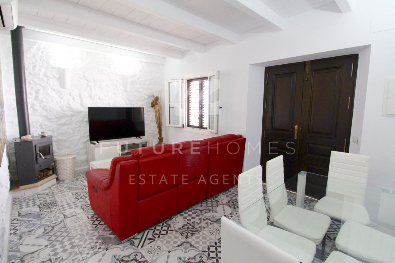 Fully renovated town house in Estepona town centre!