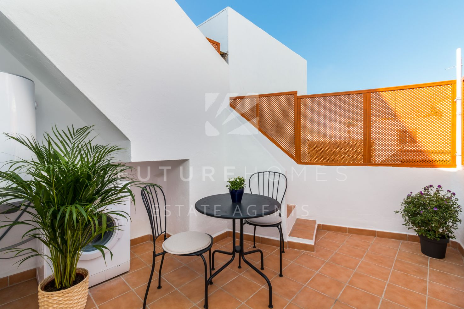 Fully renovated townhouse in Estepona old town with superb private terrace