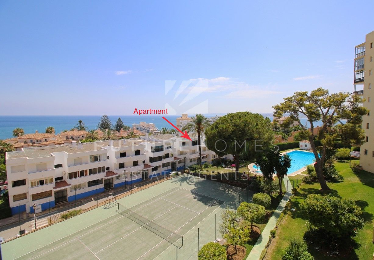 ESTEPONA PORT - well located apartment priced to sell