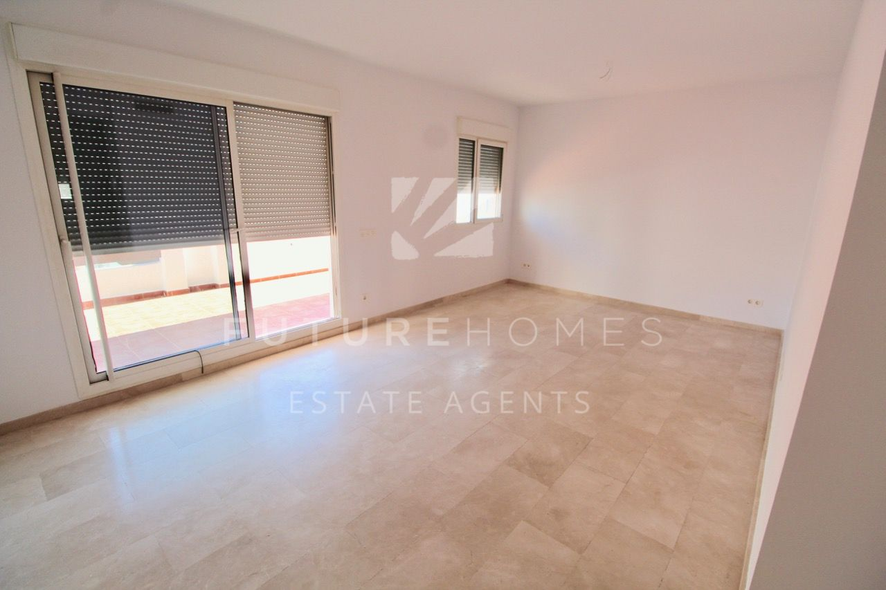 Fantastic price for modern 2 bedroom apartment with garage!