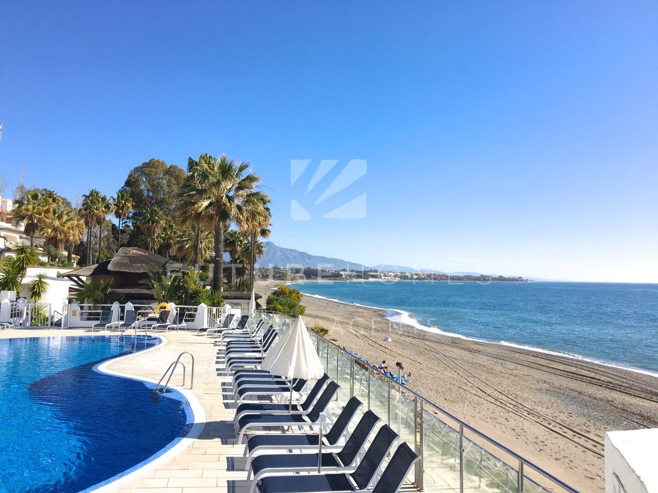 REDUCED PRICE - Spacious townhouse for sale in Dominion Beach Estepona (beachside)