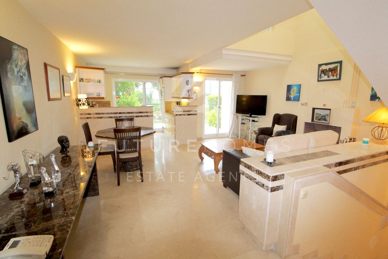 Spacious townhouse for sale in Dominion Beach Estepona