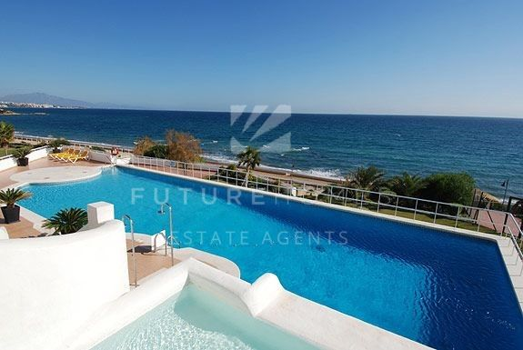 Apartment for sale within the beautiful frontline community of Sinfonia del Mar, Estepona