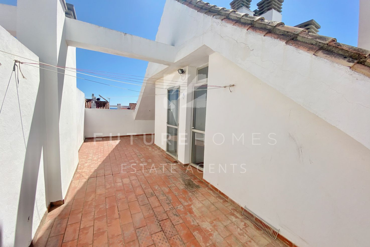 Spacious and bright West facing penthouse duplex in Seghers, Estepona