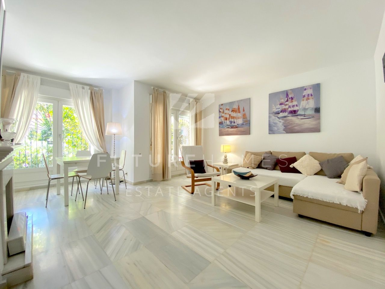 Spacious ground floor apartment for sale in Belgravia Club Estepona