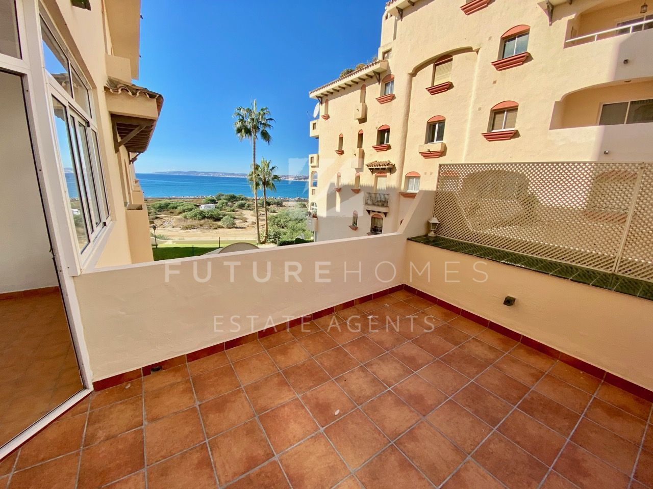 Estepona Port! One bedroom apartment with sea views and garage!
