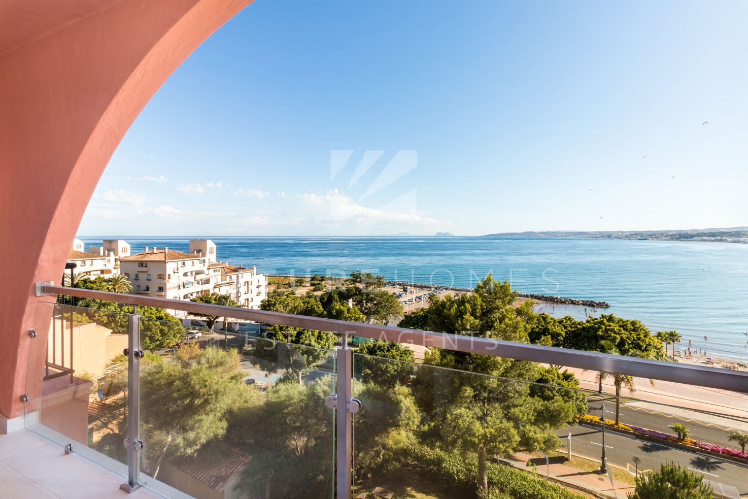 Duplex penthouse for sale next to the marina of Estepona