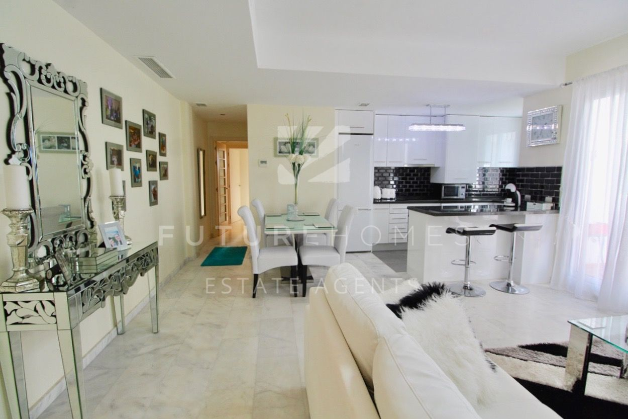 Modern ground floor apartment located in Valle Romano Estepona