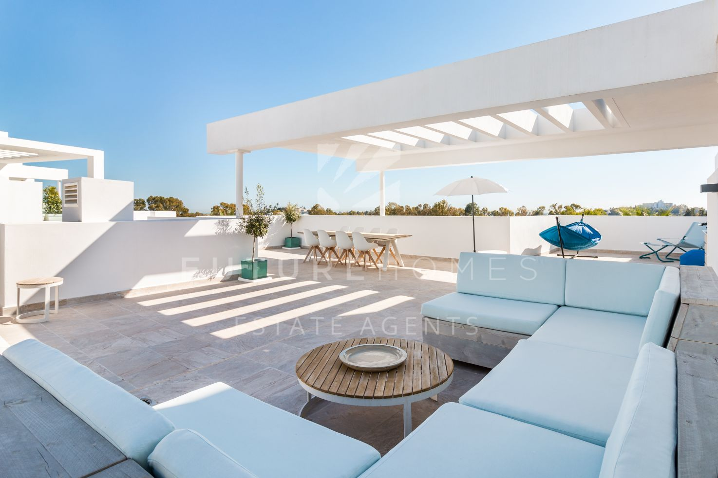 Absolute frontline golf penthouse for sale in Atalaya Hills !