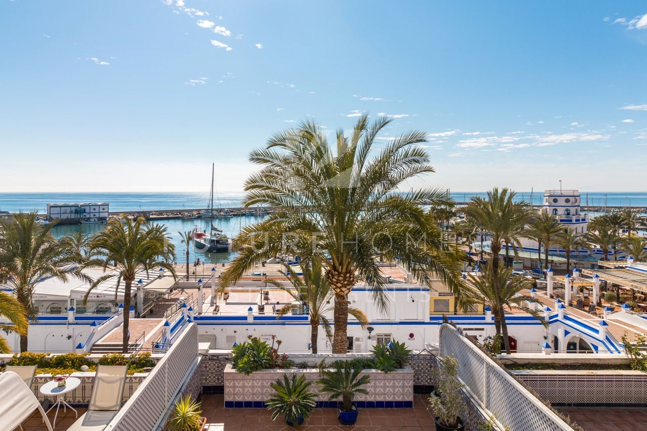 Prime location! Spacious townhouse in the heart of Estepona port with the best sea and port views!