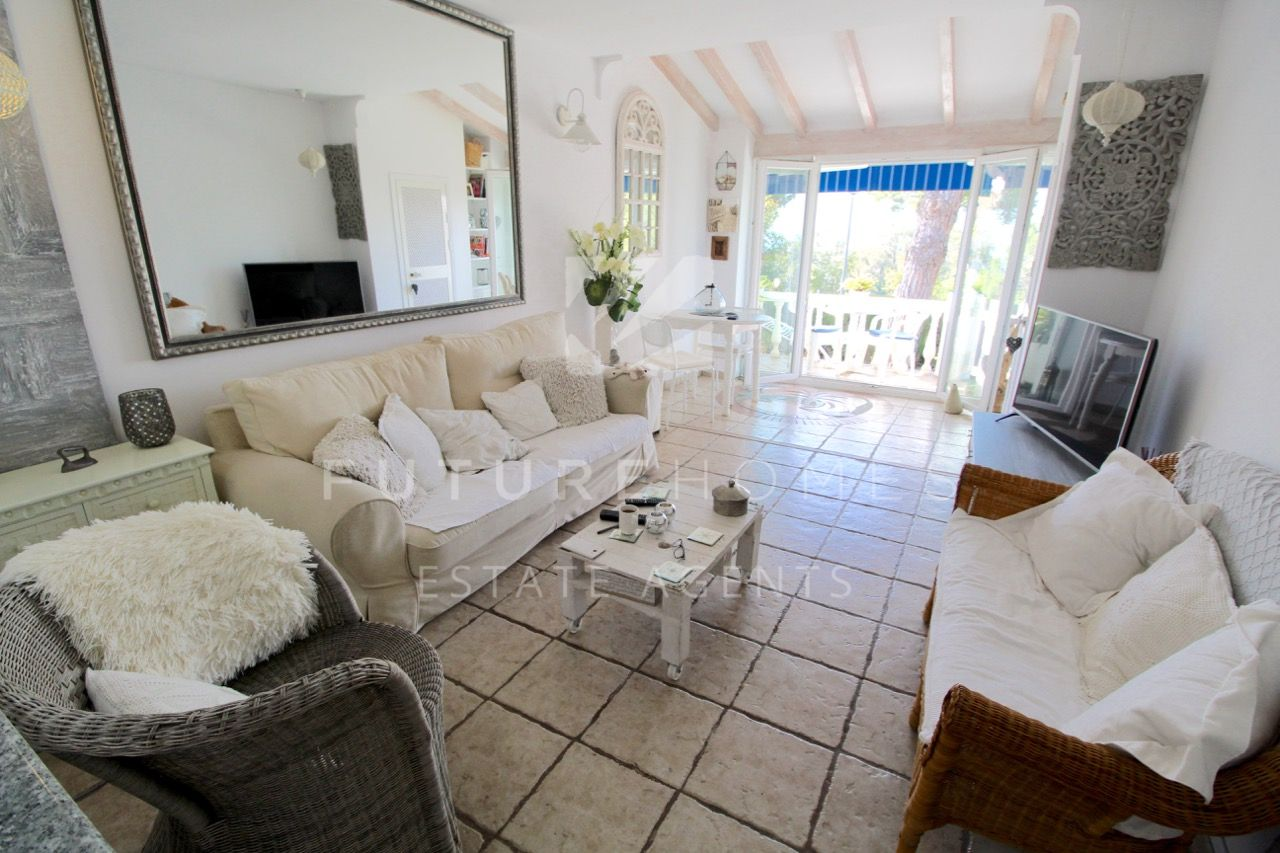 http://www.futurehomesspain.com/en-286-00221P_ground+floor+apartment-guadalobon-estepona.html