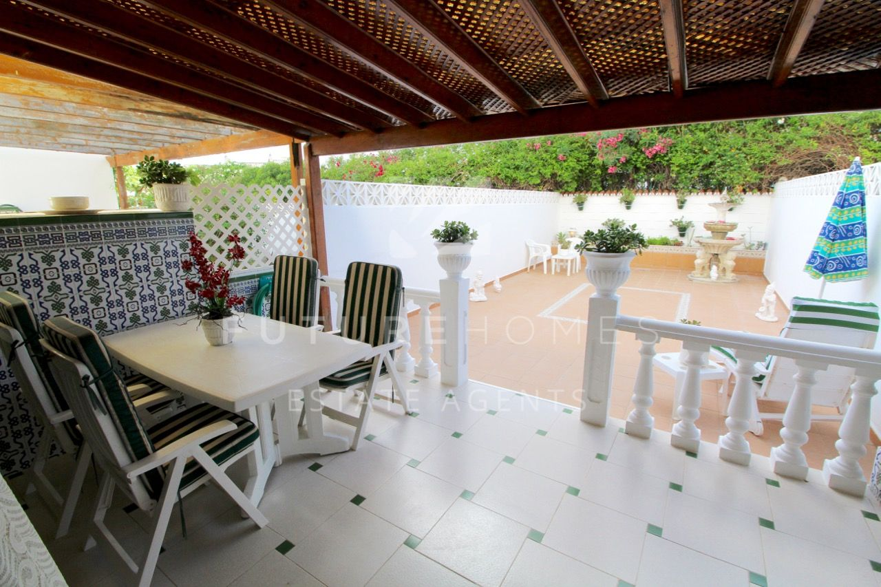 http://www.futurehomesspain.com/en-286-00236P_ground+floor+duplex-estepona.html